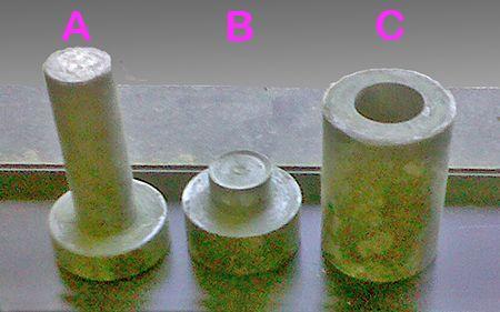 Satu set besi untuk mencetak glasir
